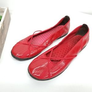 Privo Red Flats